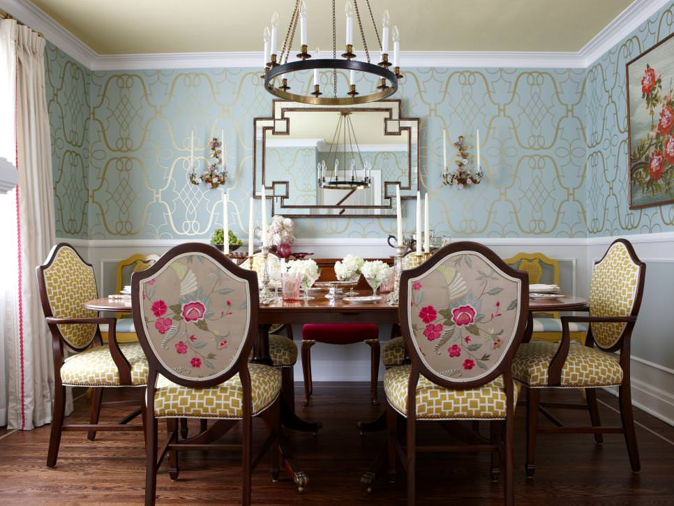 Elegant Dining Room design With Swanky Blue