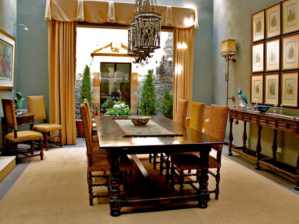 Elegant Spanish-Style Dining Room design