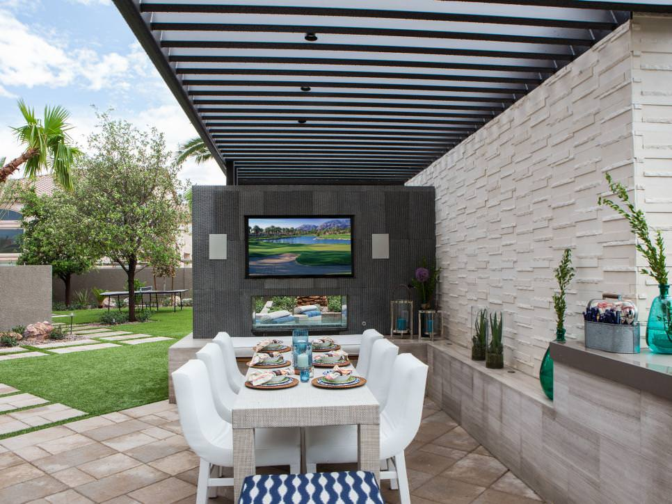 Outdoor Dining Room Design With TV
