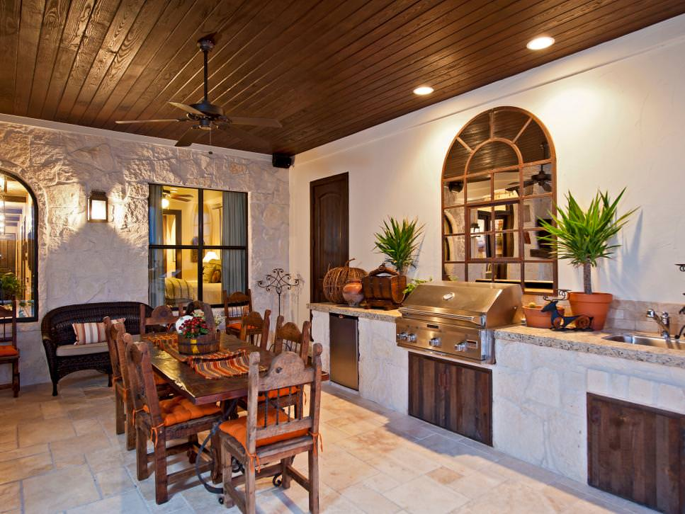 Rustic Outdoor Kitchen and Dining Room design