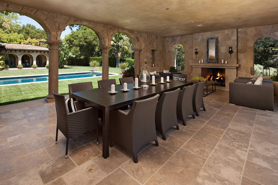 Spectacular Outdoor Dining Room design