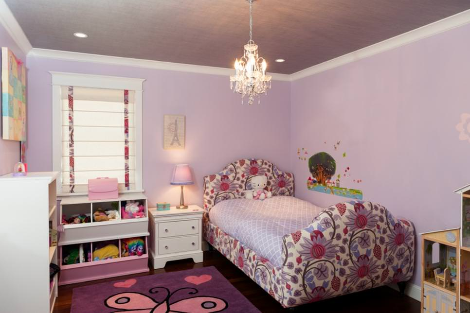 Girl s Lavender Bedroom With Chandelier. 26  Bedroom Chandeliers Designs  Decorating Ideas   Design Trends