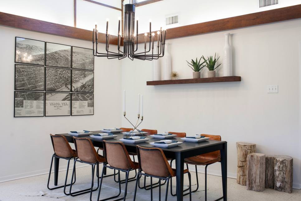 Dining Room With Modern Chandelier