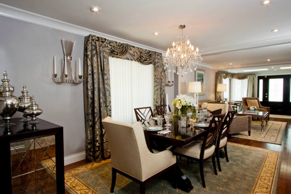 Traditional Dining Room With crystal Chandelier