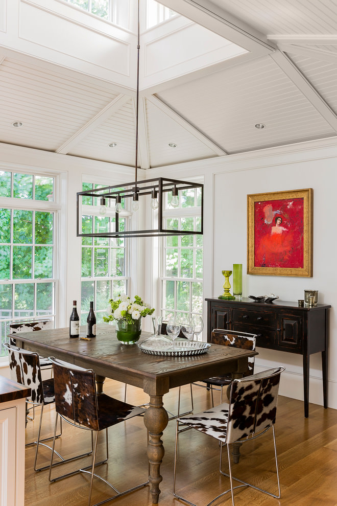 Contemporary dining room with rectangular glass chandelier