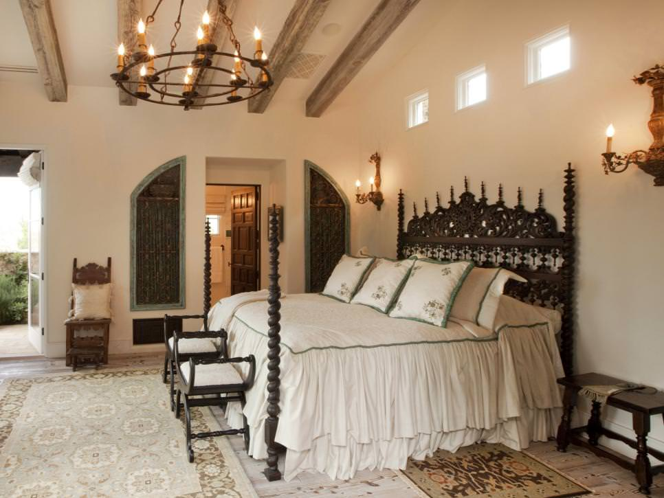 21 rustic chandelier designs decorating ideas design trends master bedroom with rustic chandelier aloadofball Images
