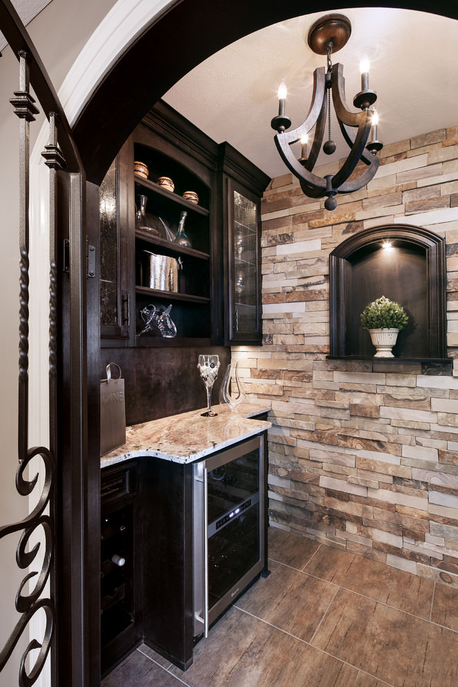 traditional kitchen with brown wooden chandelier1