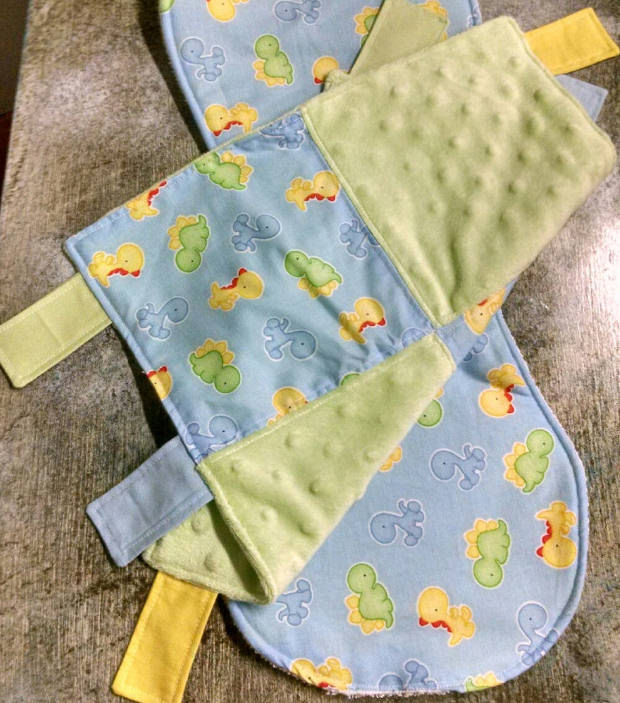 baby burp cloth and taggie set1