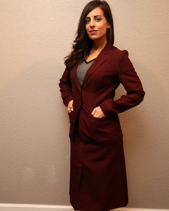 Vintage Women Burgandy Skirt Suit.