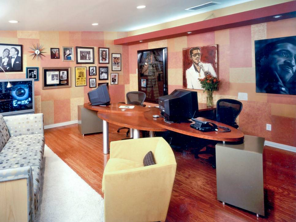 Retro Home office with Recessed lighting design