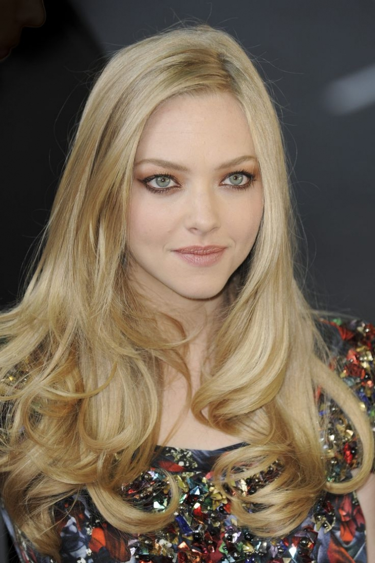 amanda seyfried hair color