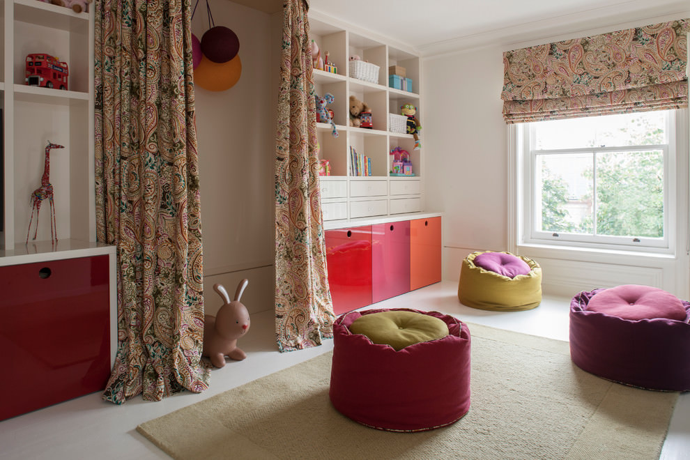 Elegant Spacious contemporary childrens room design