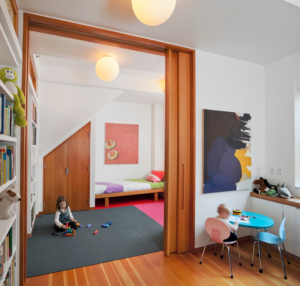 Large Spacious contemporary Kidsroom design