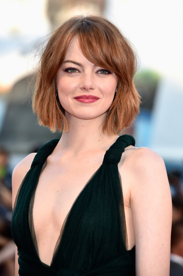 emma stone short straight hair