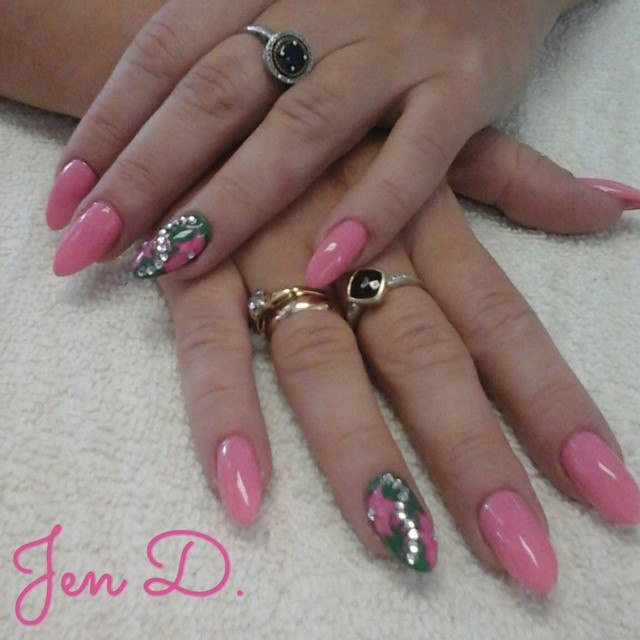 Nice Pink Nail Design for Hands