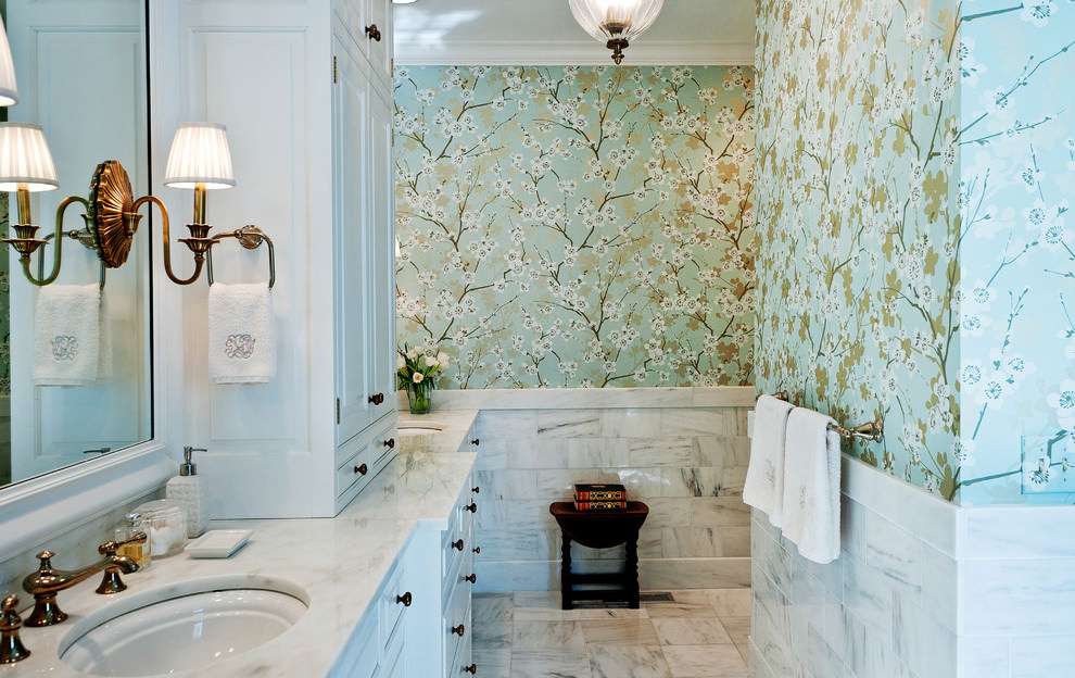 Traditional bathroom with flora wallpaper design