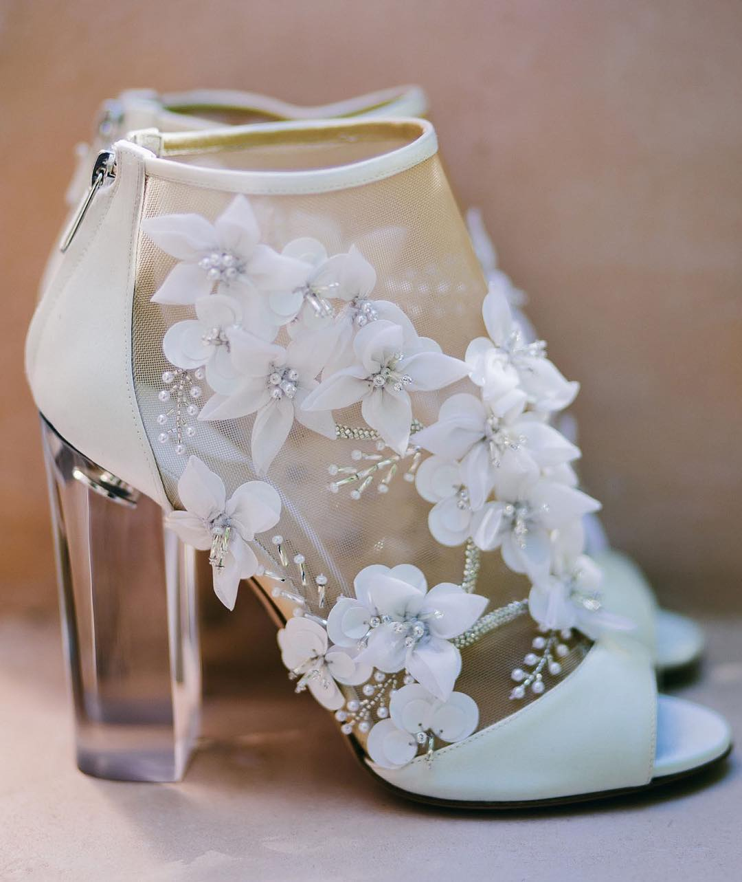 White Flower Design Heel