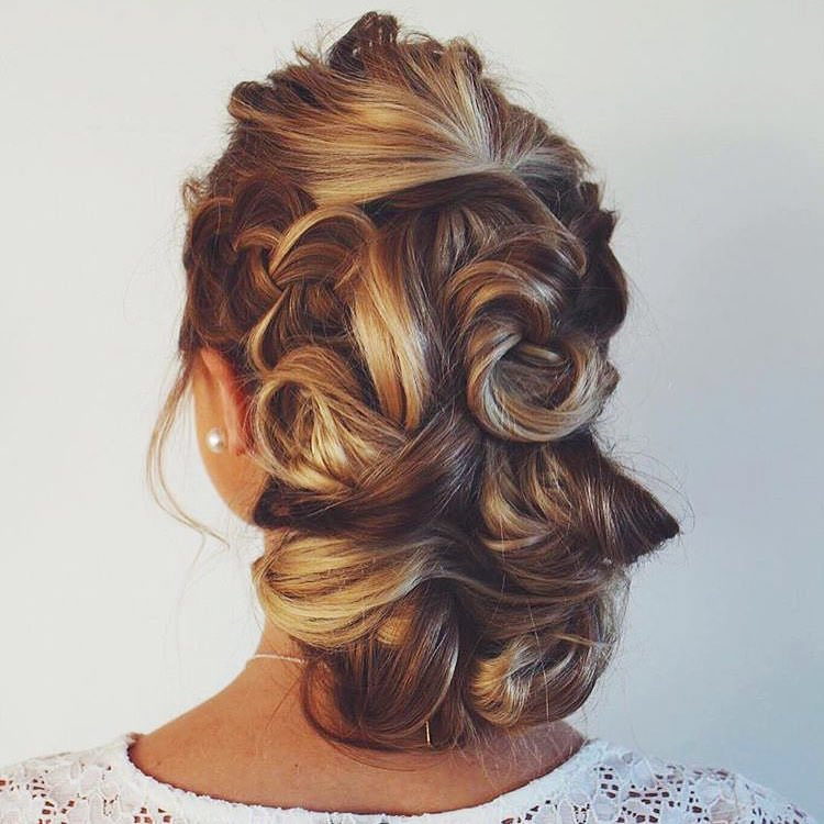 Medium Hairstyle For Wedding