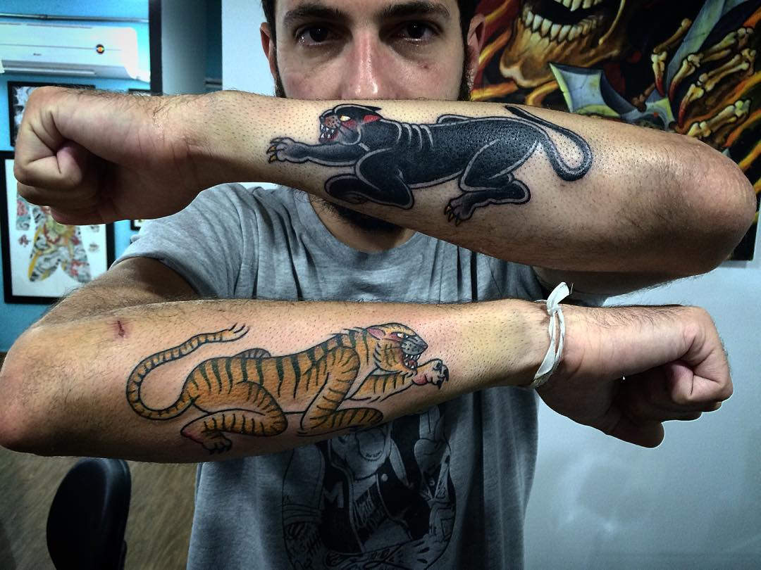 Tiger and Panther on Two Hands