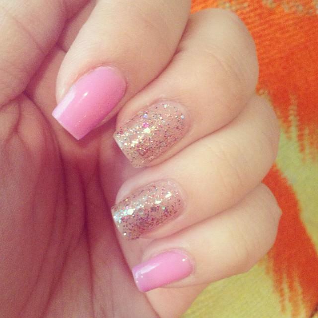 pink glitter nail art
