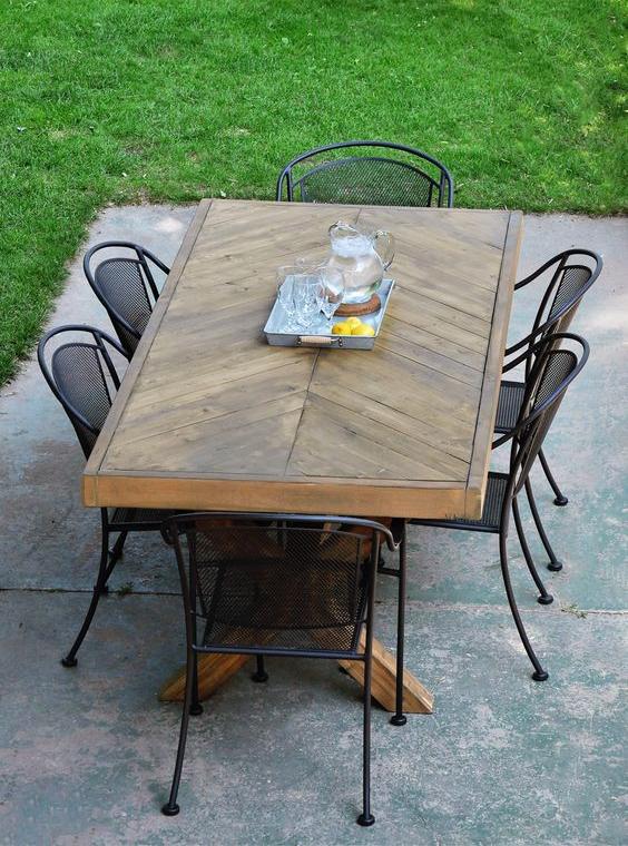 outdoor dining room1
