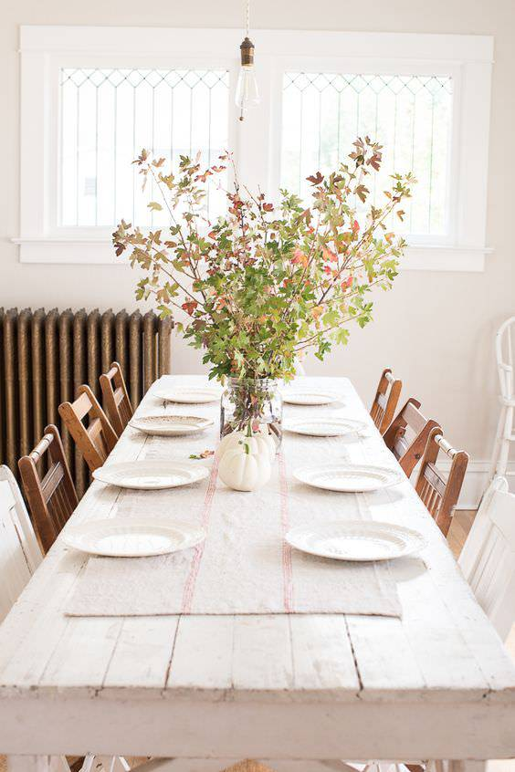 natural richness in dining room