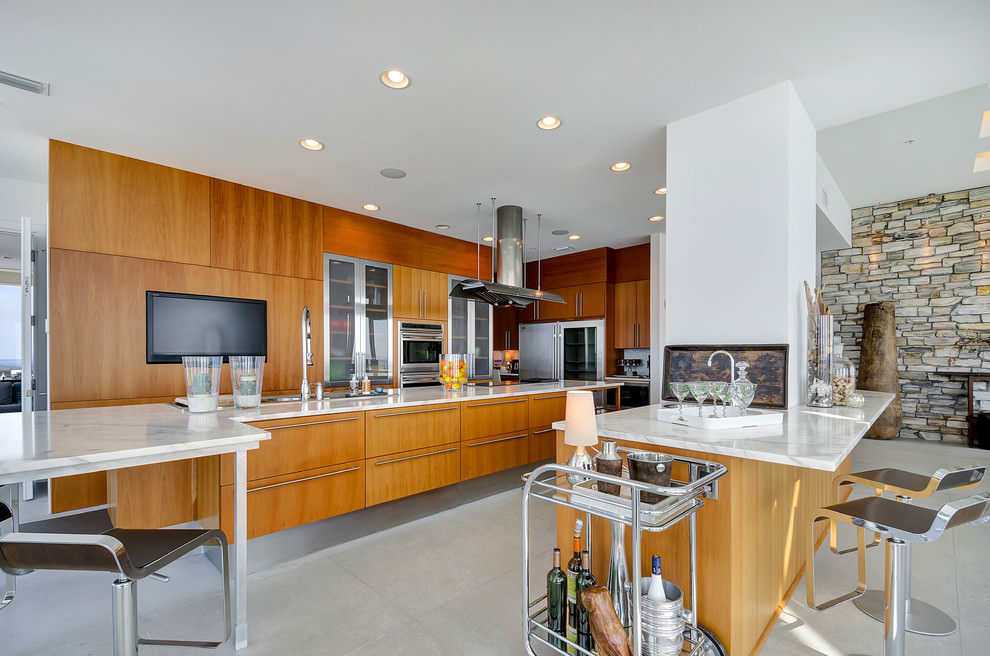 contemporary kitchen with designed stone walls