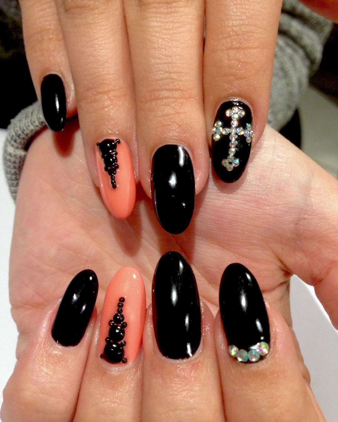 Cross Nail Designs | Graham Reid