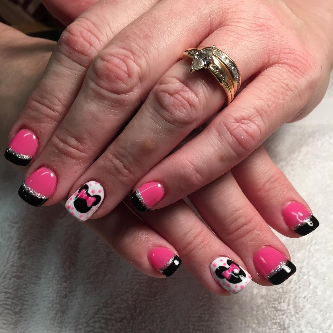 Minniemouse Nali Design with Pink Polish