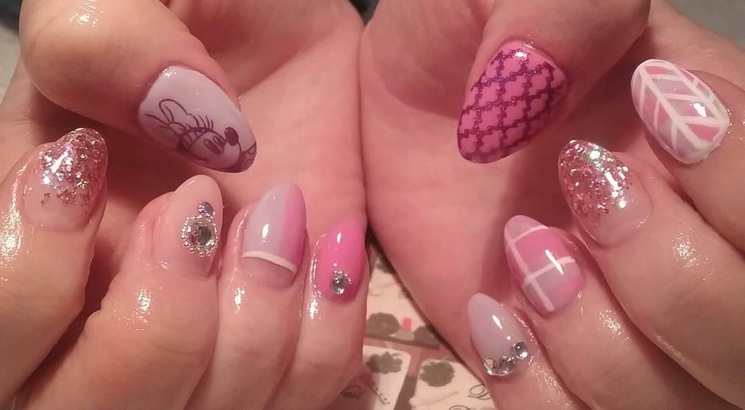 Glitter Mixture Nail Design