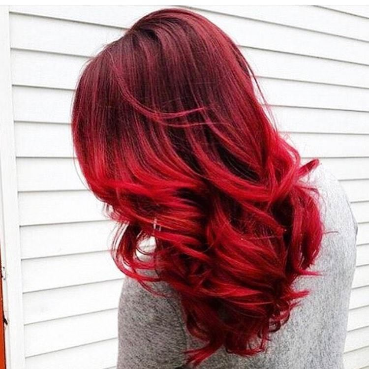 red shaded short hair wavy hairstyle