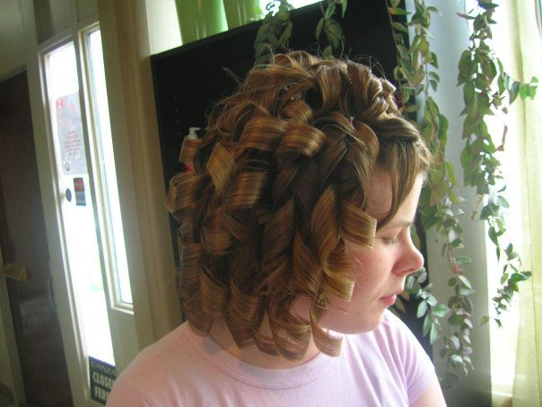 curly bob cut hairstyle for mid length hair