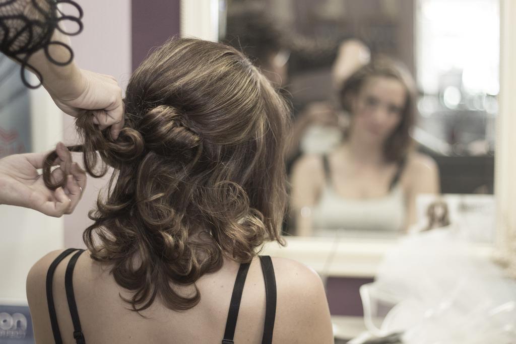 cute short birdal curls up do