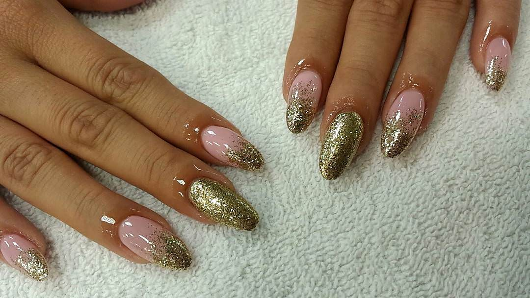 Golden Glitter Claw Nail Design