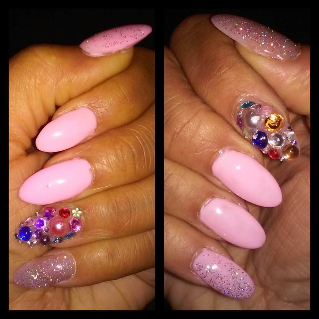 pinky claw nail design