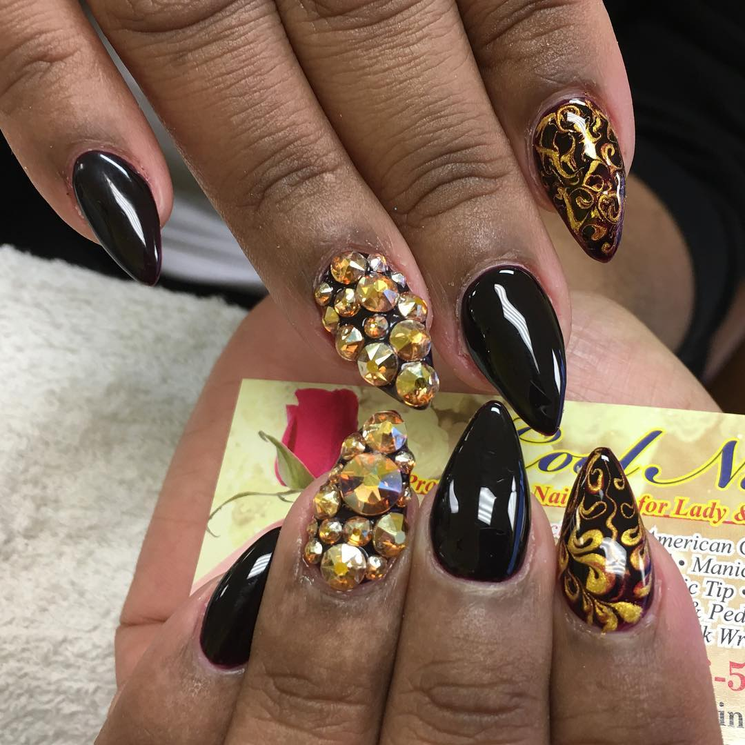 Elegant Claw Nail Design