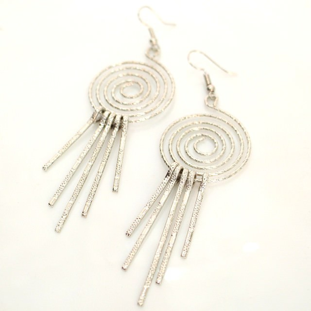 amazing drop down silver hanging earrings1