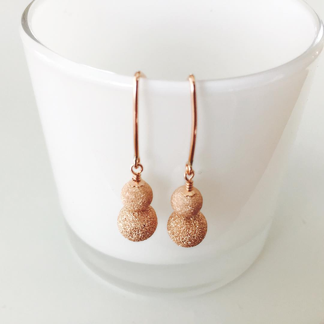 stylish rose gold earrings1