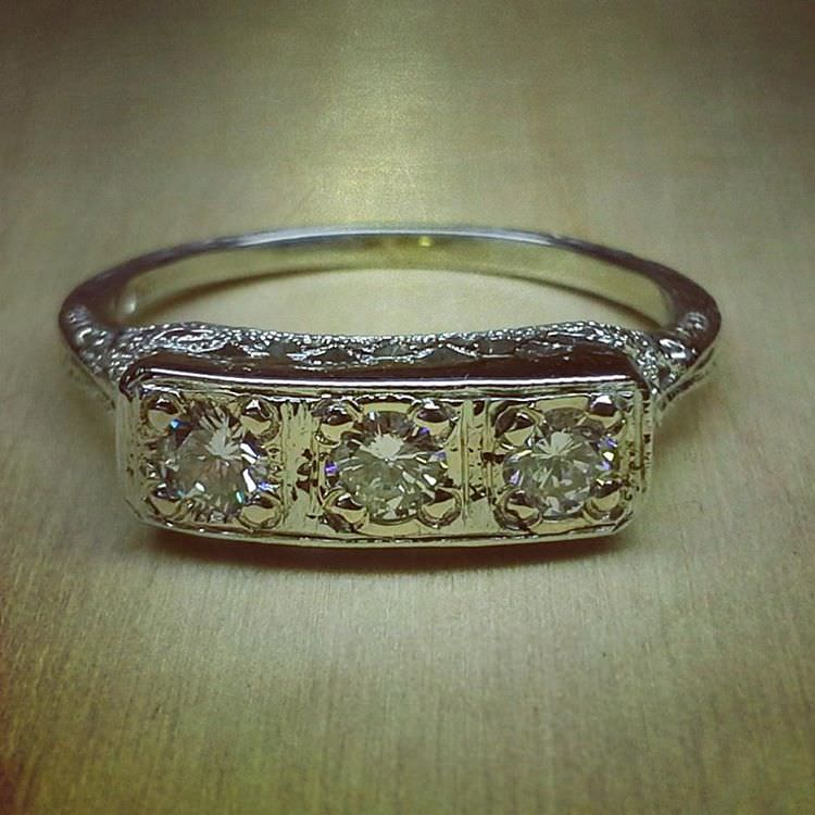 Classic Style Antique diamond Rings
