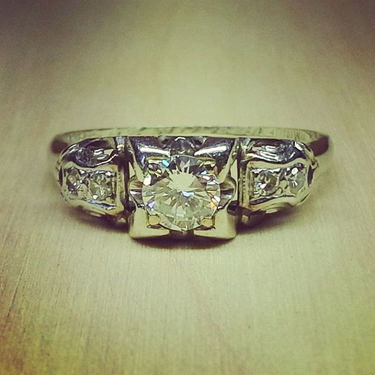 Charming Enagement Jewelry Antique Diamond Ring