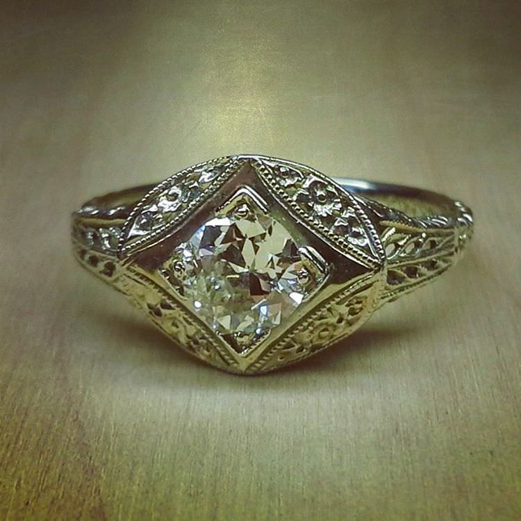 Brillant Design Antique Diamond Ring
