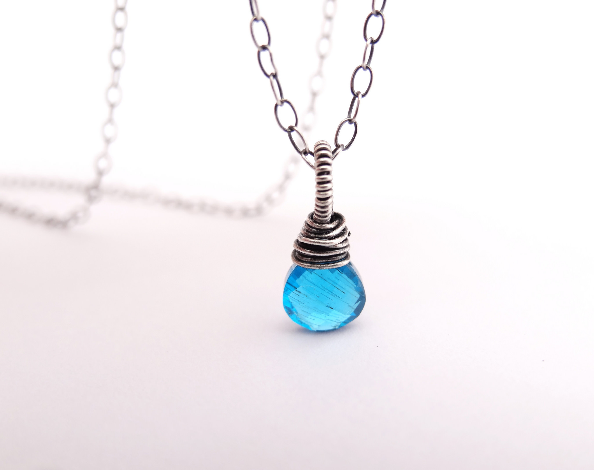 Simple Minimalist Necklace With Blue Pendant