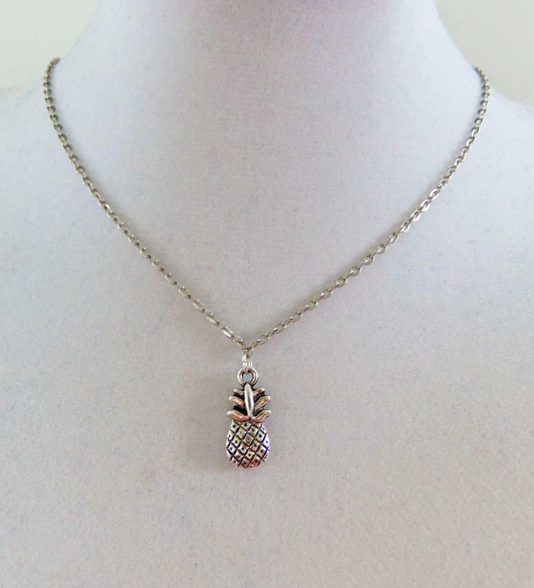 Vintage Style Minimal sliver Necklace