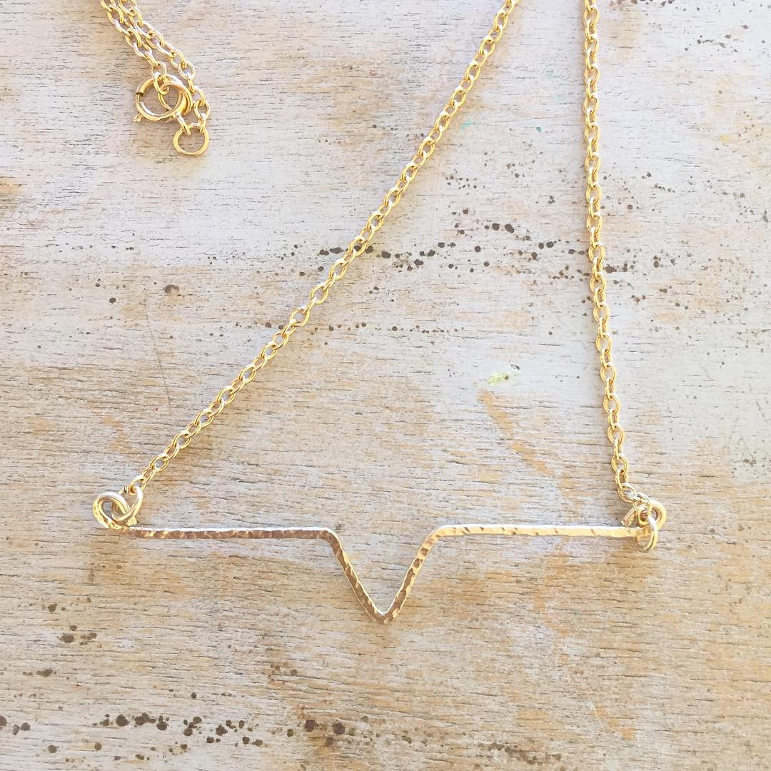 Charming Golden Minimal Necklace