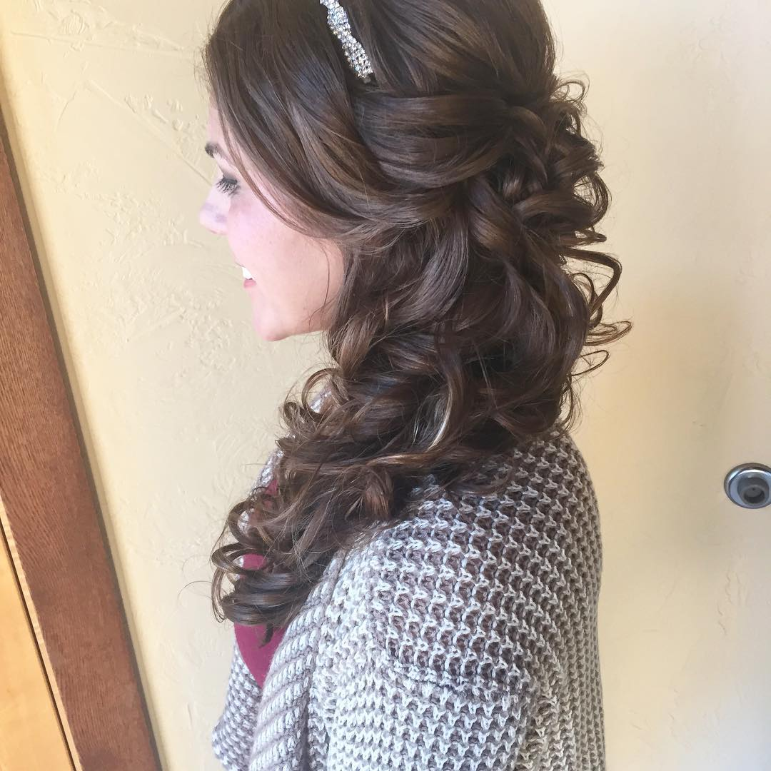 Awesome Wedding Hair Style For Bridal