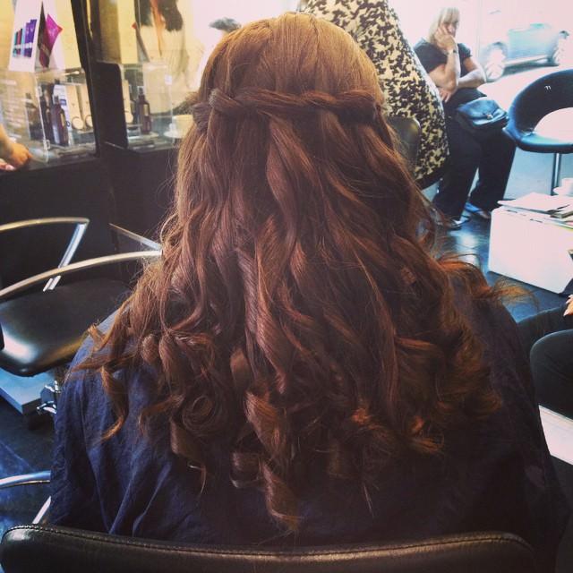 Visage Hair Style