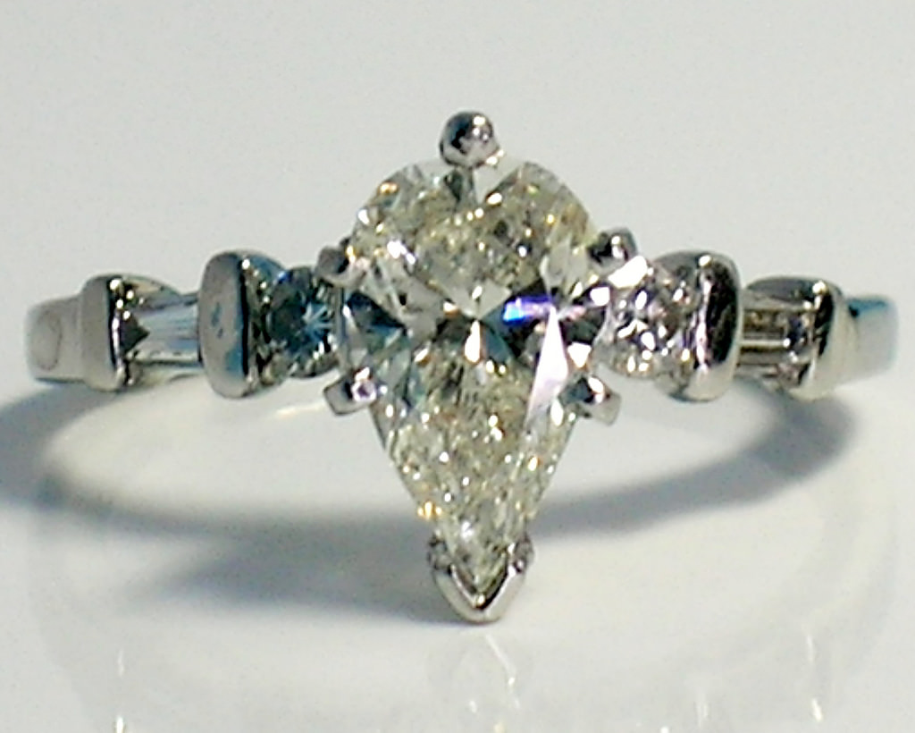 sparkling pear diamond ring