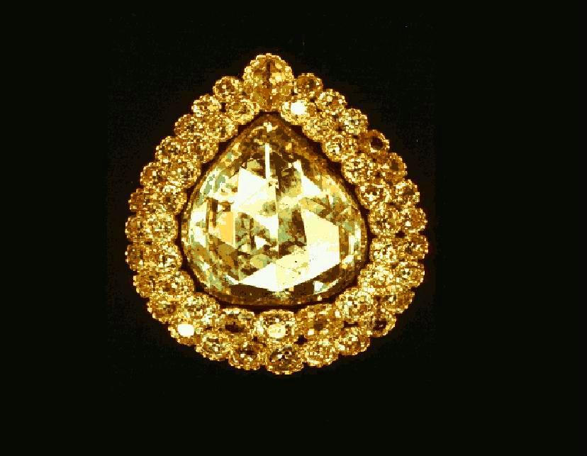 beautiful golden pear diamond ring
