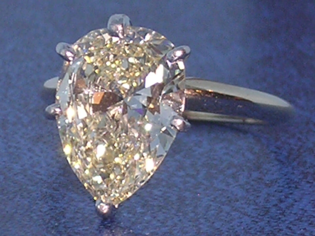 amazing big pear diamond ring
