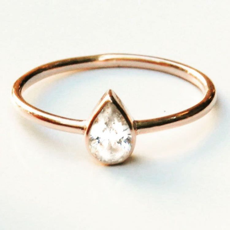 glitzy pear diamond ring